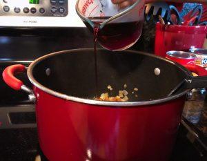 Adding red wine to Italian Chili